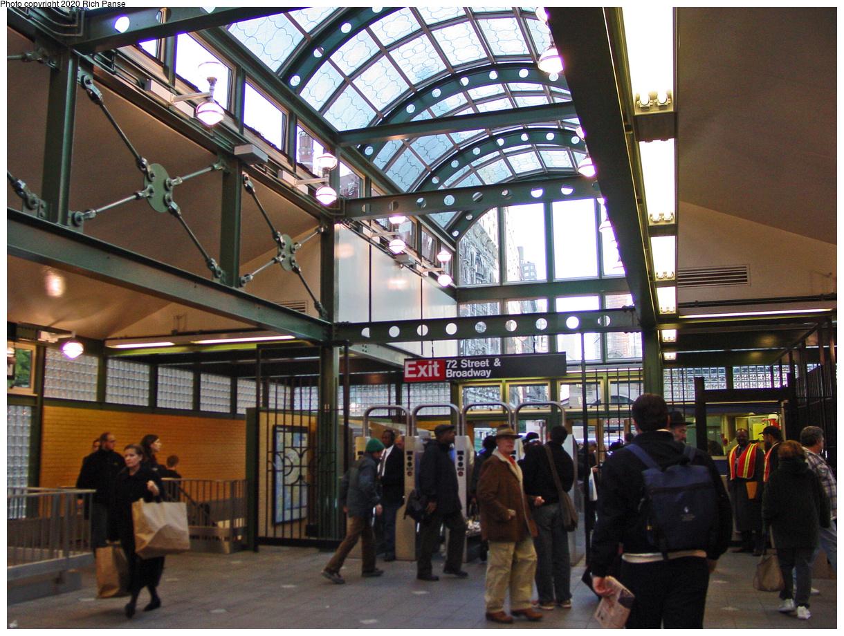 (619k, 1220x920)<br><b>Country:</b> United States<br><b>City:</b> New York<br><b>System:</b> New York City Transit<br><b>Line:</b> IRT West Side Line<br><b>Location:</b> 72nd Street<br><b>Photo by:</b> Richard Panse<br><b>Date:</b> 10/31/2002<br><b>Artwork:</b> <i>Laced Canopy (Verdi's Rigoletto)</i>, Robert Hickman, 2005<br><b>Notes:</b> New headhouse, interior.<br><b>Viewed (this week/total):</b> 1 / 7688