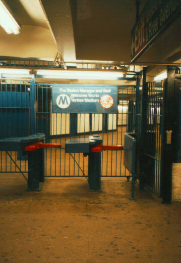 (39k, 359x520)<br><b>Country:</b> United States<br><b>City:</b> New York<br><b>System:</b> New York City Transit<br><b>Line:</b> IRT Woodlawn Line<br><b>Location:</b> 161st Street-River Avenue (Yankee Stadium)<br><b>Photo by:</b> Jason R. DeCesare<br><b>Date:</b> 1995<br><b>Notes:</b> Turnstiles in mezzanine- since removed<br><b>Viewed (this week/total):</b> 8 / 27298