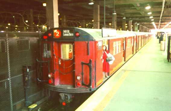 (21k, 567x369)<br><b>Country:</b> United States<br><b>City:</b> New York<br><b>System:</b> New York City Transit<br><b>Line:</b> IRT Lenox Avenue Line<br><b>Location:</b> 148th Street/Lenox Terminal<br><b>Route:</b> 3<br><b>Car:</b> R-33 Main Line (St. Louis, 1962-63) 9000 <br><b>Photo by:</b> Trevor Logan<br><b>Date:</b> 1998<br><b>Viewed (this week/total):</b> 9 / 12046