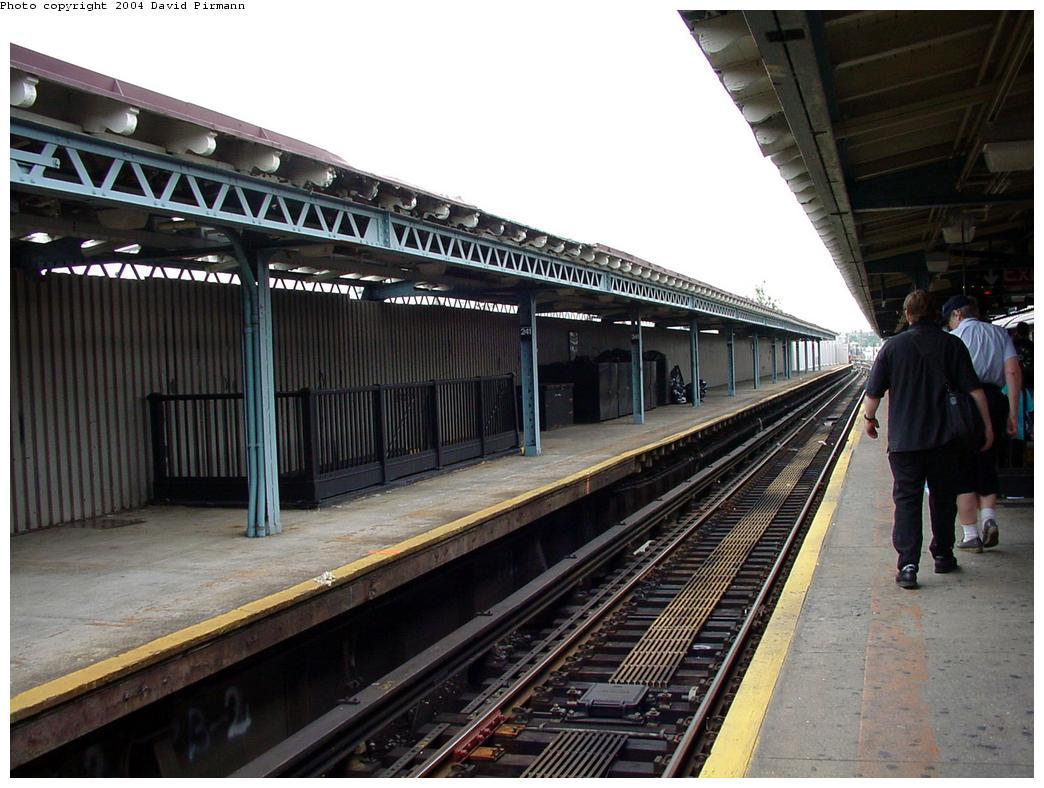 (134k, 1044x788)<br><b>Country:</b> United States<br><b>City:</b> New York<br><b>System:</b> New York City Transit<br><b>Line:</b> IRT White Plains Road Line<br><b>Location:</b> 241st Street<br><b>Route:</b> 2<br><b>Photo by:</b> David Pirmann<br><b>Date:</b> 7/29/2000<br><b>Viewed (this week/total):</b> 1 / 5595