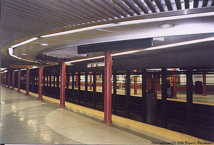 (97k, 745x503)<br><b>Country:</b> United States<br><b>City:</b> New York<br><b>System:</b> New York City Transit<br><b>Line:</b> IRT White Plains Road Line<br><b>Location:</b> 3rd Avenue/149th Street<br><b>Photo by:</b> Wayne Whitehorne<br><b>Date:</b> 9/30/1998<br><b>Notes:</b> Renovated station centre<br><b>Viewed (this week/total):</b> 0 / 9566
