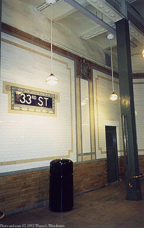 (78k, 475x750)<br><b>Country:</b> United States<br><b>City:</b> New York<br><b>System:</b> New York City Transit<br><b>Line:</b> IRT East Side Line<br><b>Location:</b> 33rd Street<br><b>Photo by:</b> Wayne Whitehorne<br><b>Date:</b> 11/28/1997<br><b>Notes:</b> Restoration of wall and ceiling<br><b>Viewed (this week/total):</b> 0 / 4602