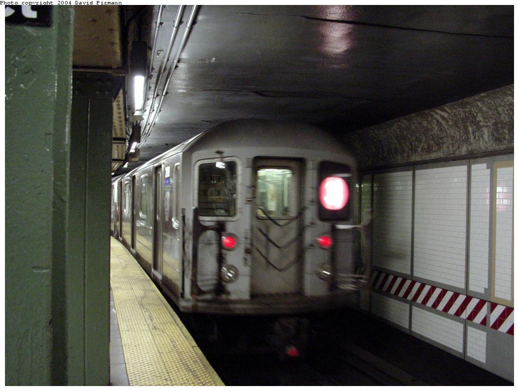 (114k, 1044x788)<br><b>Country:</b> United States<br><b>City:</b> New York<br><b>System:</b> New York City Transit<br><b>Line:</b> IRT Brooklyn Line<br><b>Location:</b> Nevins Street<br><b>Photo by:</b> David Pirmann<br><b>Date:</b> 5/17/2000<br><b>Viewed (this week/total):</b> 0 / 10705