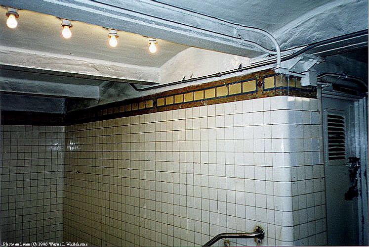 (101k, 747x499)<br><b>Country:</b> United States<br><b>City:</b> New York<br><b>System:</b> New York City Transit<br><b>Line:</b> IRT Brooklyn Line<br><b>Location:</b> President Street<br><b>Route:</b> 2<br><b>Photo by:</b> Wayne Whitehorne<br><b>Date:</b> 3/21/1998<br><b>Viewed (this week/total):</b> 0 / 5058