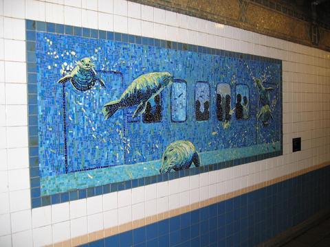 (34k, 480x360)<br><b>Country:</b> United States<br><b>City:</b> New York<br><b>System:</b> New York City Transit<br><b>Line:</b> IRT West Side Line<br><b>Location:</b> Houston Street<br><b>Photo by:</b> Robbie Rosenfeld<br><b>Date:</b> 3/2005<br><b>Artwork:</b> <i>Platform Diving</i>, Deborah Brown, 1994<br><b>Viewed (this week/total):</b> 0 / 4717