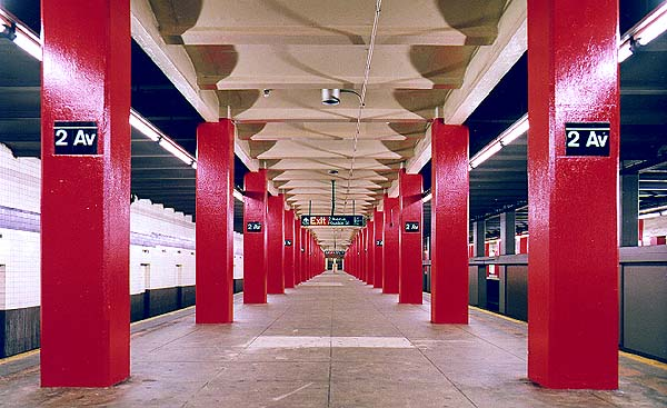 (59k, 600x367)<br><b>Country:</b> United States<br><b>City:</b> New York<br><b>System:</b> New York City Transit<br><b>Line:</b> IND 6th Avenue Line<br><b>Location:</b> 2nd Avenue<br><b>Route:</b> F<br><b>Photo by:</b> Todd Elert<br><b>Date:</b> 9/13/1998<br><b>Viewed (this week/total):</b> 1 / 6248