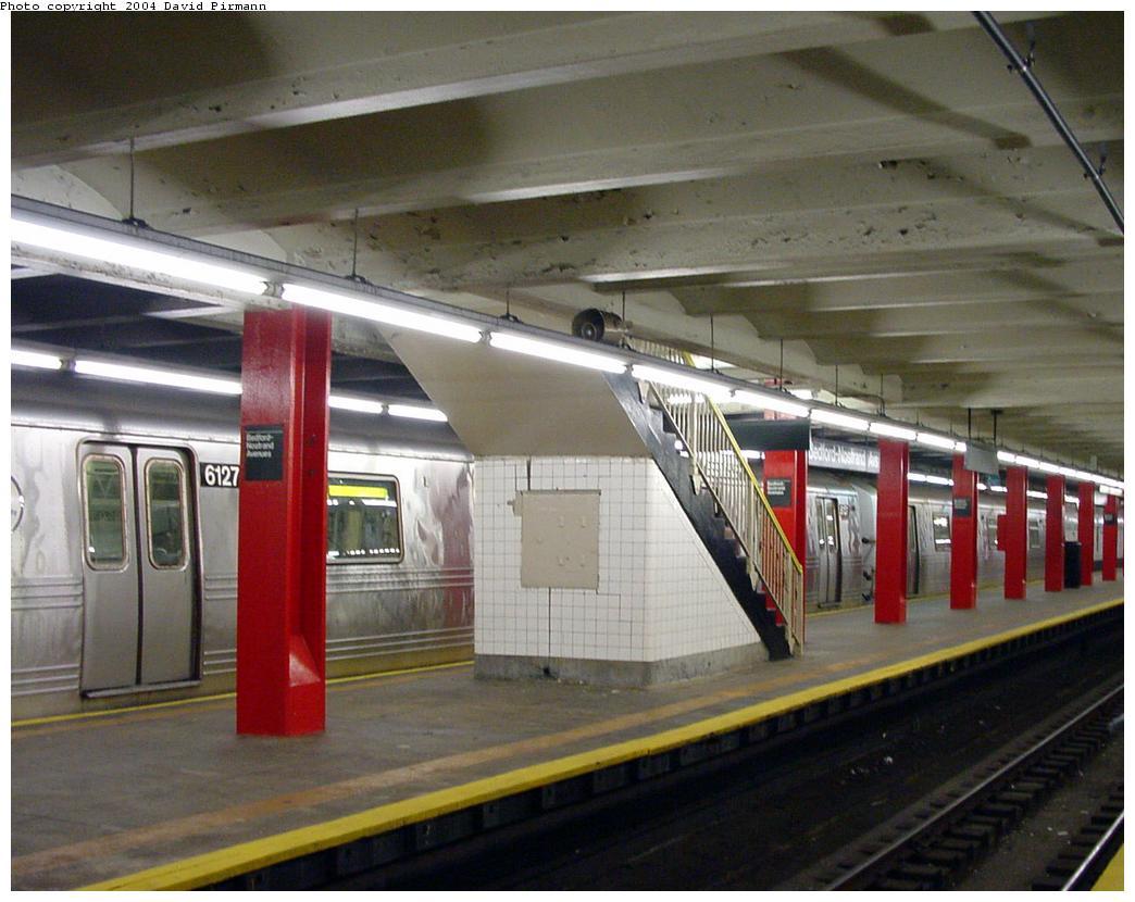 (121k, 1044x830)<br><b>Country:</b> United States<br><b>City:</b> New York<br><b>System:</b> New York City Transit<br><b>Line:</b> IND Crosstown Line<br><b>Location:</b> Bedford/Nostrand Aves.<br><b>Photo by:</b> David Pirmann<br><b>Date:</b> 8/27/2000<br><b>Viewed (this week/total):</b> 0 / 5726