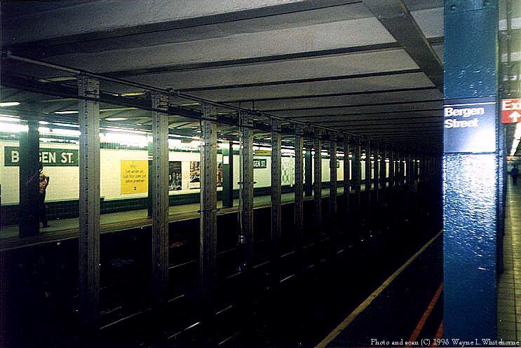 (83k, 743x497)<br><b>Country:</b> United States<br><b>City:</b> New York<br><b>System:</b> New York City Transit<br><b>Line:</b> IND Crosstown Line<br><b>Location:</b> Bergen Street<br><b>Photo by:</b> Wayne Whitehorne<br><b>Date:</b> 8/21/1998<br><b>Notes:</b> Bergen Street station view<br><b>Viewed (this week/total):</b> 4 / 9691