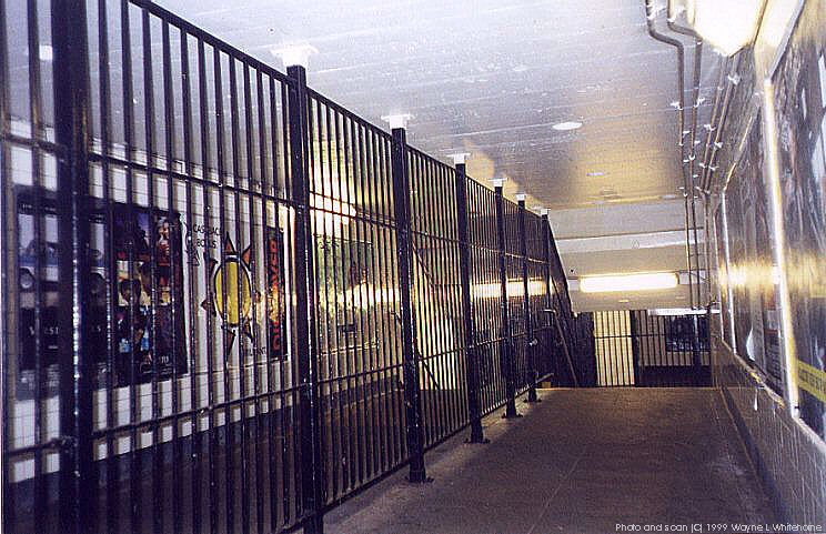 (105k, 744x481)<br><b>Country:</b> United States<br><b>City:</b> New York<br><b>System:</b> New York City Transit<br><b>Line:</b> IND Crosstown Line<br><b>Location:</b> Nassau Avenue<br><b>Photo by:</b> Wayne Whitehorne<br><b>Date:</b> 1/28/1999<br><b>Viewed (this week/total):</b> 2 / 5717