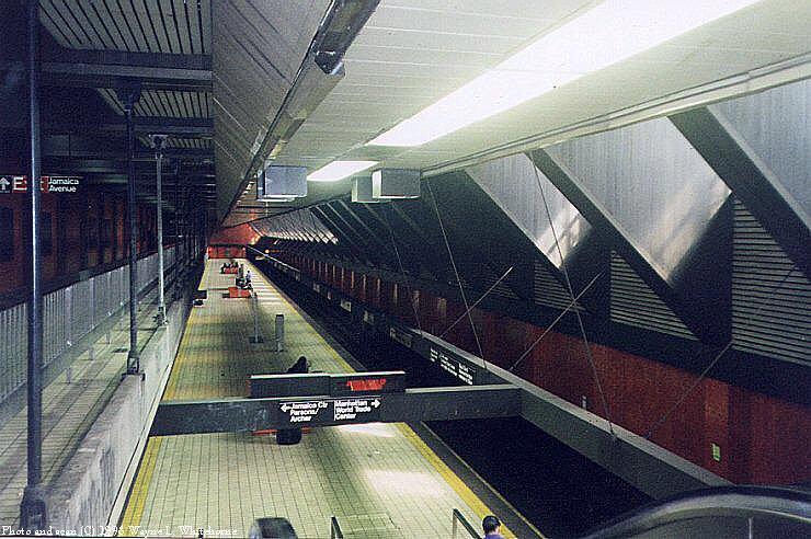 (96k, 740x492)<br><b>Country:</b> United States<br><b>City:</b> New York<br><b>System:</b> New York City Transit<br><b>Line:</b> IND Queens Boulevard Line<br><b>Location:</b> Jamaica/Van Wyck<br><b>Photo by:</b> Wayne Whitehorne<br><b>Date:</b> 1998<br><b>Notes:</b> View from mezzanine<br><b>Viewed (this week/total):</b> 2 / 7269