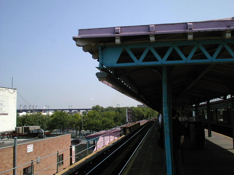 (67k, 800x600)<br><b>Country:</b> United States<br><b>City:</b> New York<br><b>System:</b> New York City Transit<br><b>Line:</b> BMT Astoria Line<br><b>Location:</b> Astoria Boulevard/Hoyt Avenue<br><b>Route:</b> N<br><b>Photo by:</b> Todd Glickman<br><b>Date:</b> 8/10/2000<br><b>Viewed (this week/total):</b> 0 / 3200