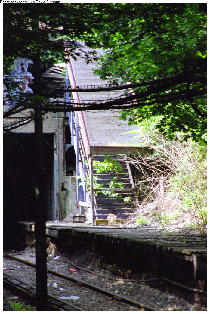 (275k, 698x1043)<br><b>Country:</b> United States<br><b>City:</b> New York<br><b>System:</b> New York City Transit<br><b>Line:</b> BMT Franklin Shuttle<br><b>Location:</b> Botanic Garden<br><b>Route:</b> Franklin Shuttle<br><b>Photo by:</b> David Pirmann<br><b>Date:</b> 7/18/1998<br><b>Viewed (this week/total):</b> 4 / 7956