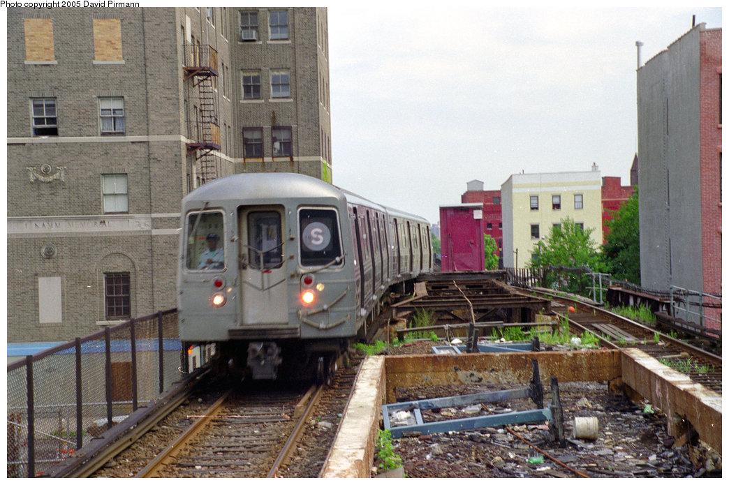 (230k, 1044x695)<br><b>Country:</b> United States<br><b>City:</b> New York<br><b>System:</b> New York City Transit<br><b>Line:</b> BMT Franklin Shuttle<br><b>Location:</b> Park Place<br><b>Route:</b> Franklin Shuttle<br><b>Photo by:</b> David Pirmann<br><b>Date:</b> 7/18/1998<br><b>Viewed (this week/total):</b> 3 / 18672