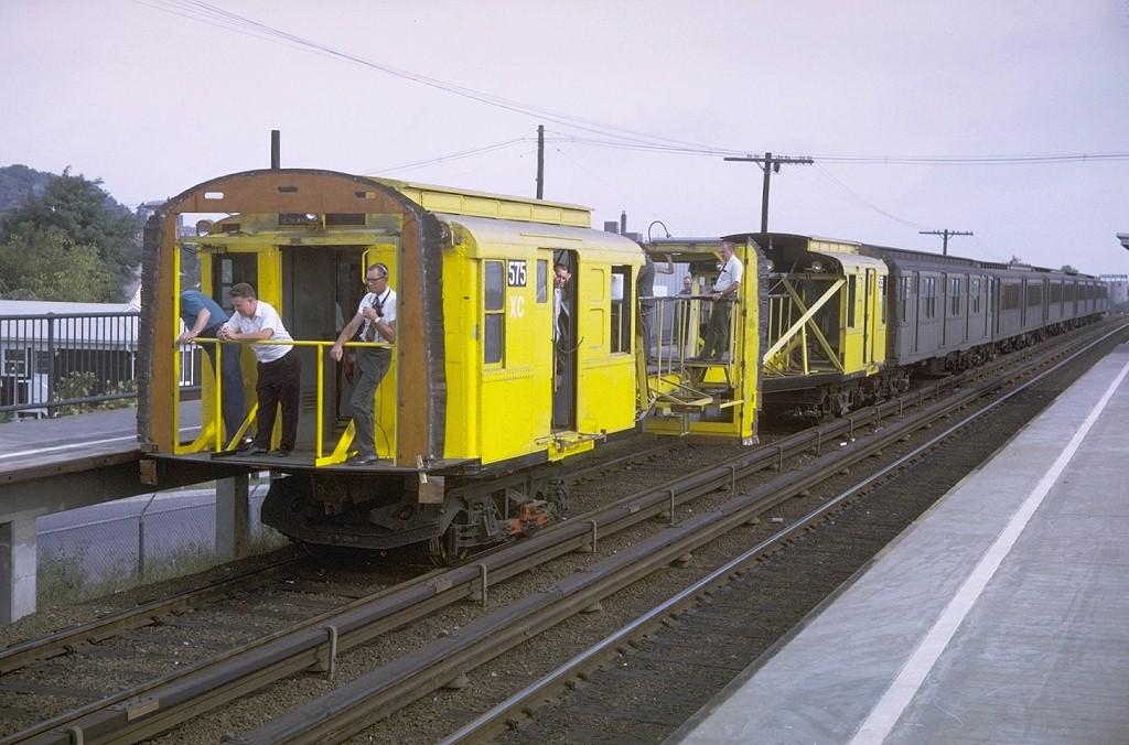 (190k, 1024x676)<br><b>Country:</b> United States<br><b>City:</b> New York<br><b>System:</b> New York City Transit<br><b>Line:</b> SIRT<br><b>Location:</b> Jefferson Avenue<br><b>Route:</b> SIRT<br><b>Car:</b> R-1 (American Car & Foundry, 1930-1931) XC575 (ex-192)<br><b>Photo by:</b> Doug Grotjahn<br><b>Collection of:</b> Joe Testagrose<br><b>Date:</b> 9/27/1970<br><b>Notes:</b> 75' Test Car ex-192<br><b>Viewed (this week/total):</b> 7 / 15535
