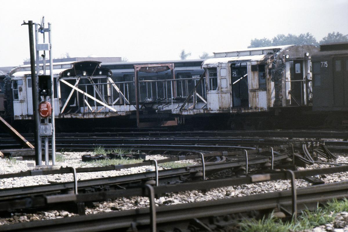 (509k, 1200x800)<br><b>Country:</b> United States<br><b>City:</b> New York<br><b>System:</b> New York City Transit<br><b>Location:</b> Coney Island Yard<br><b>Car:</b> R-1 (American Car & Foundry, 1930-1931) XC675 (ex-165)<br><b>Photo by:</b> Steve Hoskins<br><b>Collection of:</b> David Pirmann<br><b>Date:</b> 8/1976<br><b>Notes:</b> 75' Test Car ex-165<br><b>Viewed (this week/total):</b> 11 / 12008