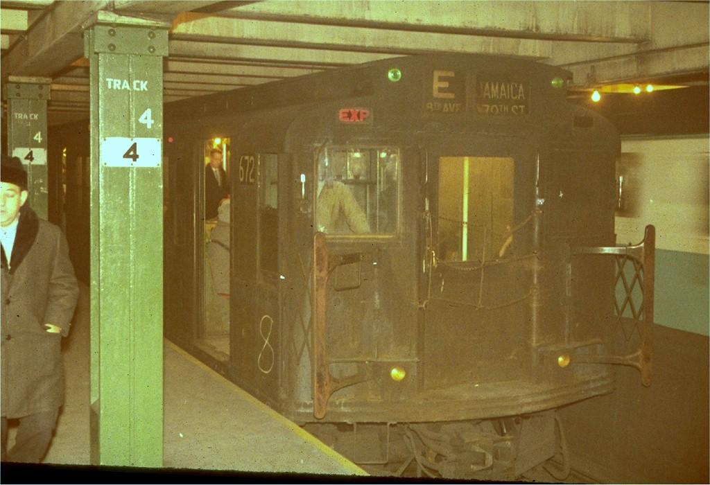 (182k, 1024x700)<br><b>Country:</b> United States<br><b>City:</b> New York<br><b>System:</b> New York City Transit<br><b>Line:</b> IND 8th Avenue Line<br><b>Location:</b> West 4th Street/Washington Square<br><b>Route:</b> E<br><b>Car:</b> R-4 (American Car & Foundry, 1932-1933) 672 <br><b>Photo by:</b> Steve Zabel<br><b>Collection of:</b> Joe Testagrose<br><b>Viewed (this week/total):</b> 13 / 4201