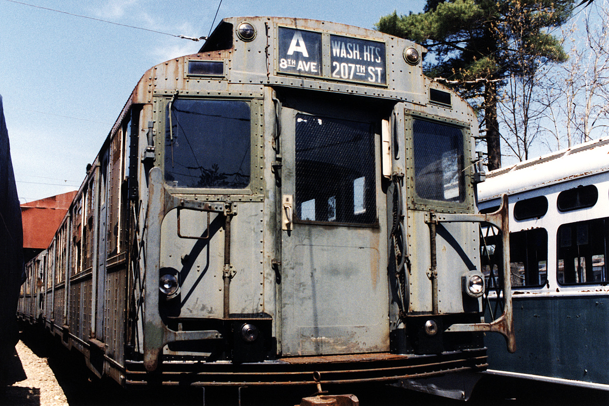 (665k, 1200x800)<br><b>Country:</b> United States<br><b>City:</b> Kennebunk, ME<br><b>System:</b> Seashore Trolley Museum<br><b>Car:</b> R-4 (American Car & Foundry, 1932-1933) 800 <br><b>Photo by:</b> Todd Glickman<br><b>Date:</b> 1998<br><b>Viewed (this week/total):</b> 2 / 7422
