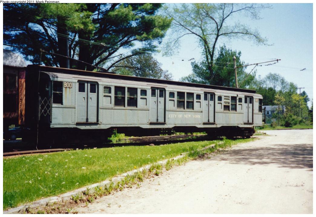 (391k, 1044x717)<br><b>Country:</b> United States<br><b>City:</b> Kennebunk, ME<br><b>System:</b> Seashore Trolley Museum<br><b>Car:</b> R-4 (American Car & Foundry, 1932-1933) 800 <br><b>Photo by:</b> Mark S. Feinman<br><b>Date:</b> 9/5/1994<br><b>Viewed (this week/total):</b> 0 / 5209