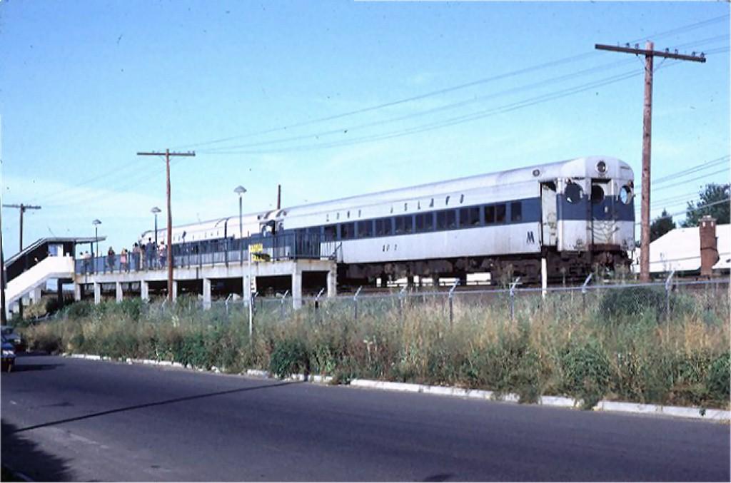 (141k, 1024x677)<br><b>Country:</b> United States<br><b>City:</b> New York<br><b>System:</b> New York City Transit<br><b>Line:</b> SIRT<br><b>Location:</b> Jefferson Avenue<br><b>Car:</b> LIRR MP72 2513 <br><b>Photo by:</b> Doug Grotjahn<br><b>Collection of:</b> Joe Testagrose<br><b>Date:</b> 8/21/1972<br><b>Viewed (this week/total):</b> 0 / 10906
