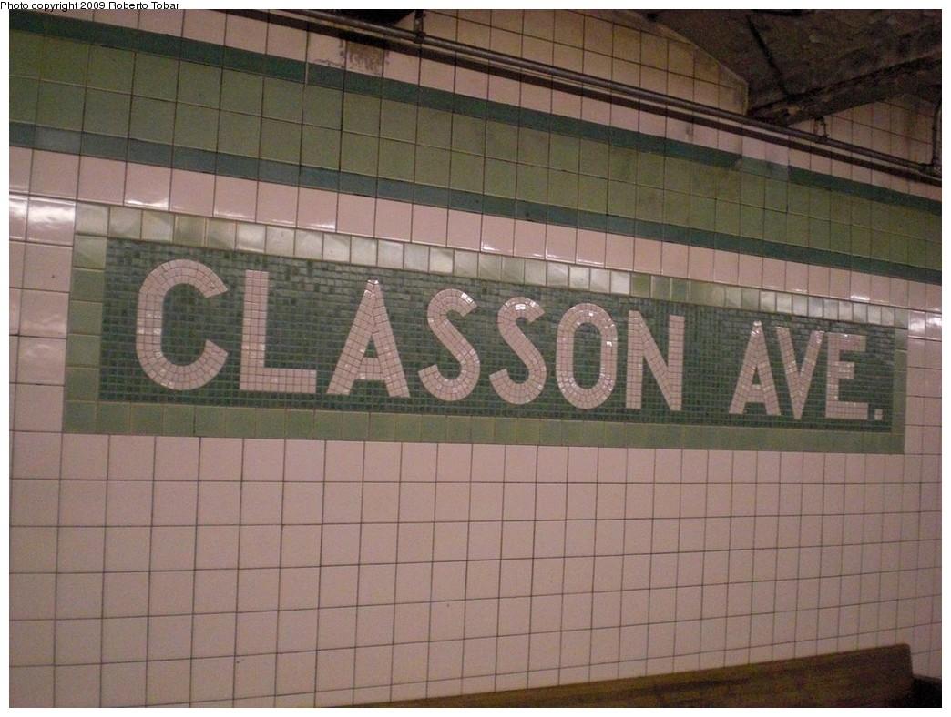 (241k, 1044x788)<br><b>Country:</b> United States<br><b>City:</b> New York<br><b>System:</b> New York City Transit<br><b>Line:</b> IND Crosstown Line<br><b>Location:</b> Classon Avenue<br><b>Photo by:</b> Roberto C. Tobar<br><b>Date:</b> 4/25/2009<br><b>Notes:</b> Mosaic name tile.<br><b>Viewed (this week/total):</b> 2 / 2413