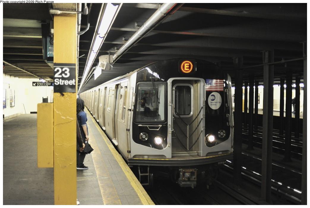 (167k, 1044x702)<br><b>Country:</b> United States<br><b>City:</b> New York<br><b>System:</b> New York City Transit<br><b>Line:</b> IND 8th Avenue Line<br><b>Location:</b> 23rd Street<br><b>Route:</b> E<br><b>Car:</b> R-160B (Option 1) (Kawasaki, 2008-2009)  <br><b>Photo by:</b> Richard Panse<br><b>Date:</b> 6/11/2009<br><b>Viewed (this week/total):</b> 2 / 2705
