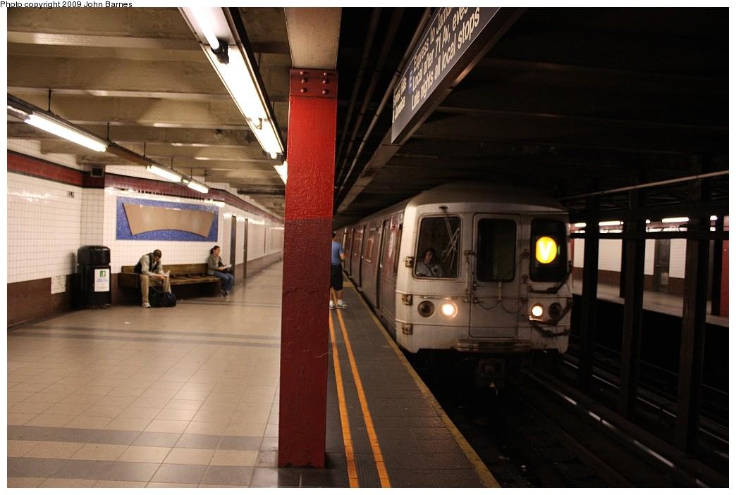 (176k, 1044x703)<br><b>Country:</b> United States<br><b>City:</b> New York<br><b>System:</b> New York City Transit<br><b>Line:</b> IND Queens Boulevard Line<br><b>Location:</b> Court Square/23rd St (Ely Avenue)<br><b>Route:</b> V<br><b>Car:</b> R-46 (Pullman-Standard, 1974-75) 5804 <br><b>Photo by:</b> John Barnes<br><b>Date:</b> 6/22/2009<br><b>Viewed (this week/total):</b> 3 / 1972
