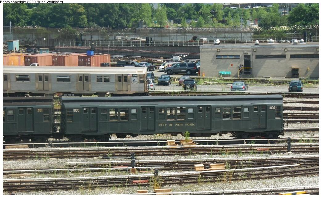 (304k, 1044x642)<br><b>Country:</b> United States<br><b>City:</b> New York<br><b>System:</b> New York City Transit<br><b>Location:</b> 207th Street Yard<br><b>Car:</b> R-6-3 (American Car & Foundry, 1935) 1000 <br><b>Photo by:</b> Brian Weinberg<br><b>Date:</b> 7/30/2009<br><b>Viewed (this week/total):</b> 7 / 1666