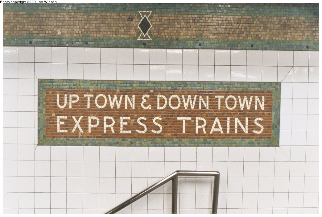 (191k, 1044x703)<br><b>Country:</b> United States<br><b>City:</b> New York<br><b>System:</b> New York City Transit<br><b>Line:</b> IRT West Side Line<br><b>Location:</b> 34th Street/Penn Station<br><b>Photo by:</b> Lee Winson<br><b>Date:</b> 5/5/2008<br><b>Viewed (this week/total):</b> 0 / 1068