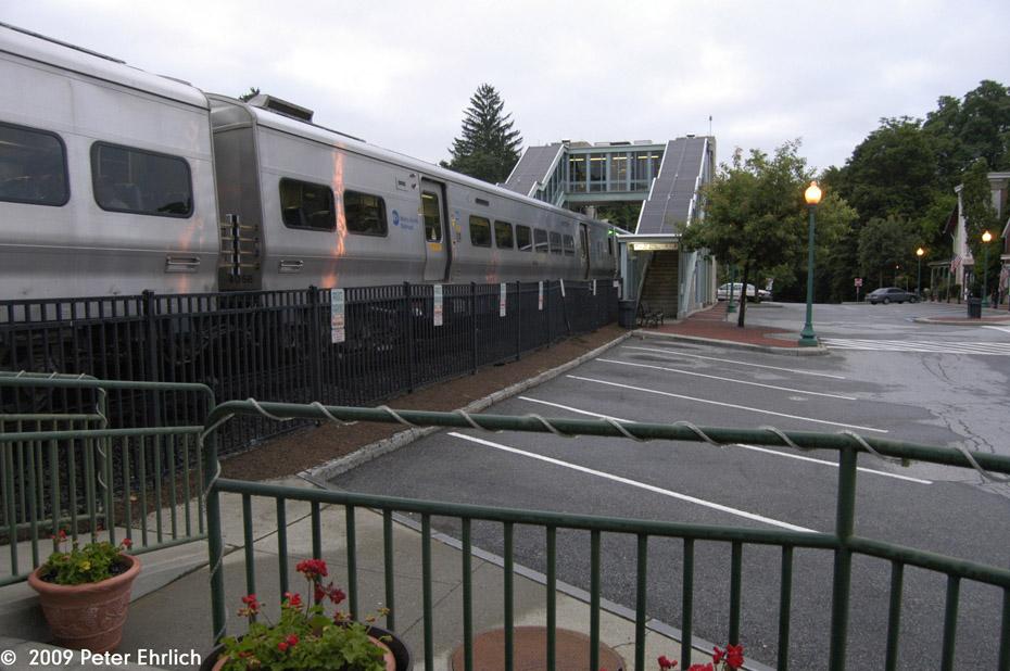 (198k, 930x618)<br><b>Country:</b> United States<br><b>System:</b> Metro-North Railroad (or Amtrak or Predecessor RR)<br><b>Line:</b> Metro North-Harlem Line<br><b>Location:</b> Croton Falls<br><b>Car:</b> MNRR M-7a EMU (Bombardier) 4058 <br><b>Photo by:</b> Peter Ehrlich<br><b>Date:</b> 7/22/2009<br><b>Notes:</b> Inbound<br><b>Viewed (this week/total):</b> 0 / 514