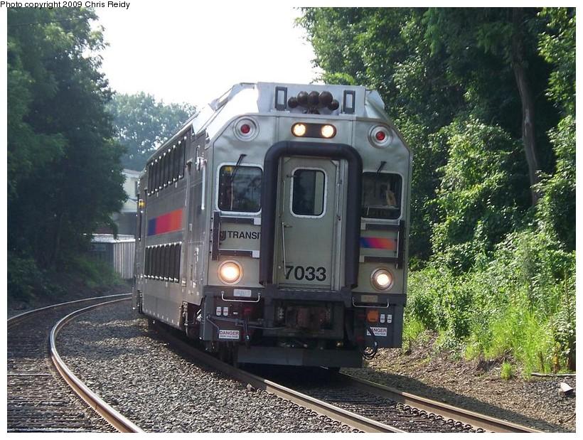 (204k, 820x619)<br><b>Country:</b> United States<br><b>System:</b> NJ Transit (or Predecessor)<br><b>Line:</b> NJT Raritan Valley Line<br><b>Location:</b> Annandale<br><b>Car:</b> NJT Multilevel Coach 7033 <br><b>Photo by:</b> Chris Reidy<br><b>Date:</b> 7/22/2009<br><b>Viewed (this week/total):</b> 4 / 1204