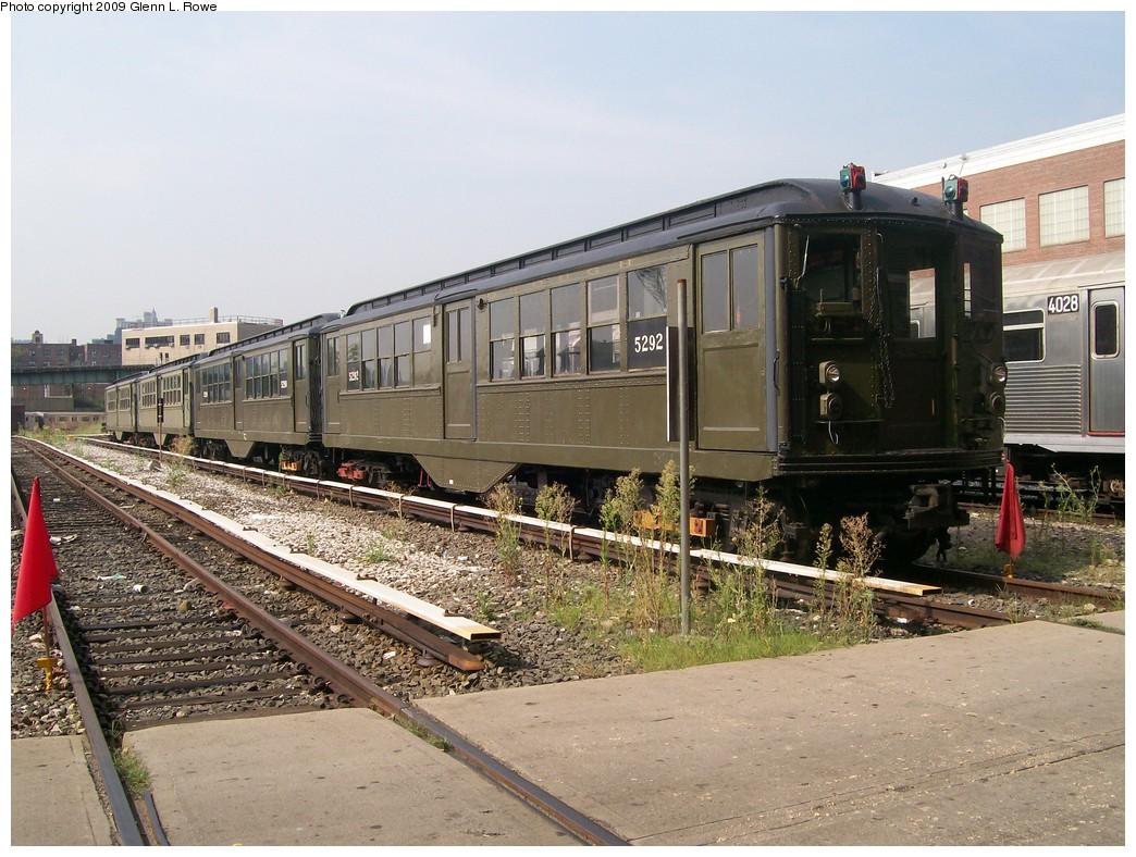 (246k, 1044x788)<br><b>Country:</b> United States<br><b>City:</b> New York<br><b>System:</b> New York City Transit<br><b>Location:</b> 207th Street Yard<br><b>Car:</b> Low-V (Museum Train) 5292 <br><b>Photo by:</b> Glenn L. Rowe<br><b>Date:</b> 8/20/2009<br><b>Viewed (this week/total):</b> 0 / 1394
