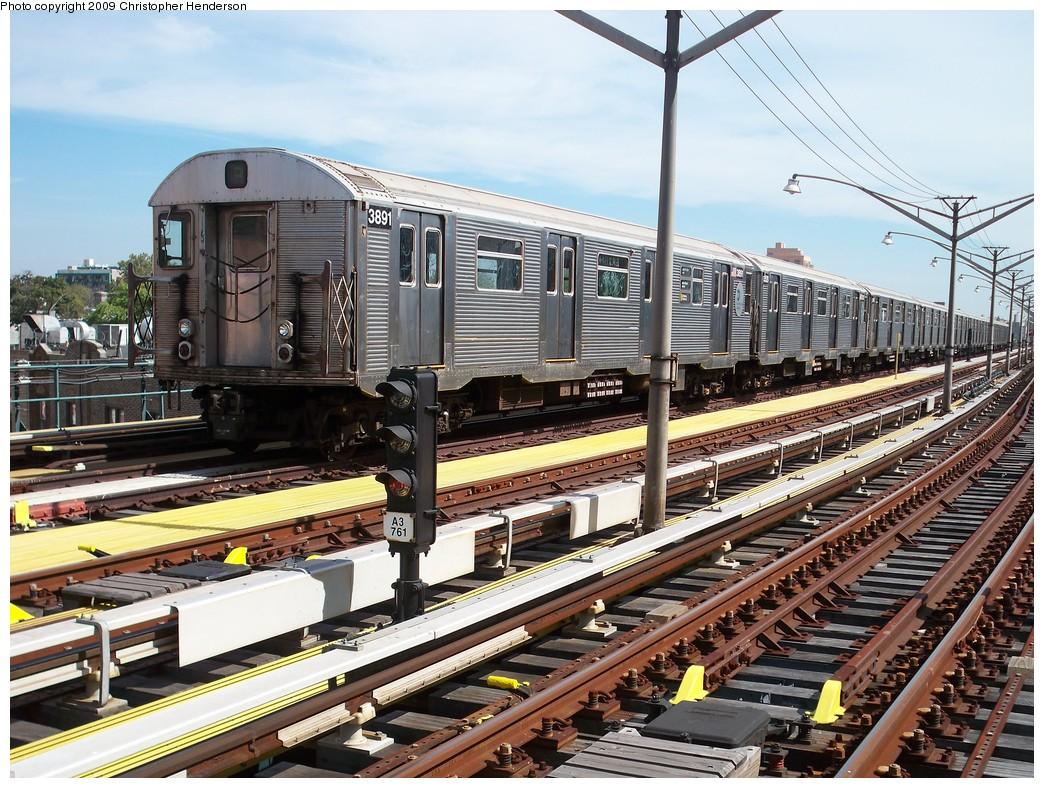 (297k, 1044x788)<br><b>Country:</b> United States<br><b>City:</b> New York<br><b>System:</b> New York City Transit<br><b>Line:</b> BMT Brighton Line<br><b>Location:</b> Ocean Parkway<br><b>Route:</b> B<br><b>Car:</b> R-32 (Budd, 1964) 3891 <br><b>Photo by:</b> Christopher Henderson<br><b>Date:</b> 9/15/2009<br><b>Notes:</b> R32 on B train - layup<br><b>Viewed (this week/total):</b> 4 / 1974