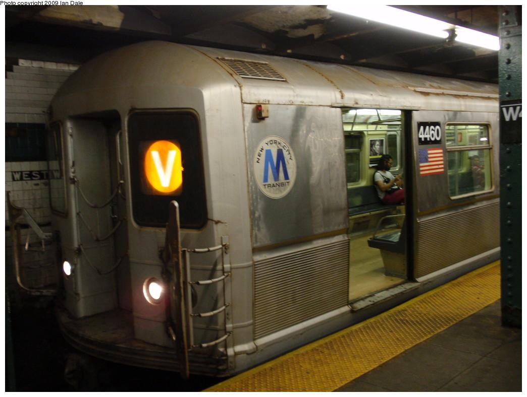 (189k, 1044x788)<br><b>Country:</b> United States<br><b>City:</b> New York<br><b>System:</b> New York City Transit<br><b>Line:</b> IND 6th Avenue Line<br><b>Location:</b> West 4th Street/Washington Square<br><b>Route:</b> V<br><b>Car:</b> R-40M (St. Louis, 1969) 4460 <br><b>Photo by:</b> Ian Dale<br><b>Date:</b> 8/3/2009<br><b>Viewed (this week/total):</b> 2 / 2729
