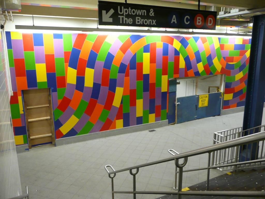 (119k, 1024x768)<br><b>Country:</b> United States<br><b>City:</b> New York<br><b>System:</b> New York City Transit<br><b>Line:</b> IND 8th Avenue Line<br><b>Location:</b> 59th Street/Columbus Circle<br><b>Photo by:</b> Robbie Rosenfeld<br><b>Date:</b> 9/15/2009<br><b>Artwork:</b> <i>Whirls and Twirls</i>, Sol Lewitt, 2007<br><b>Viewed (this week/total):</b> 3 / 2446