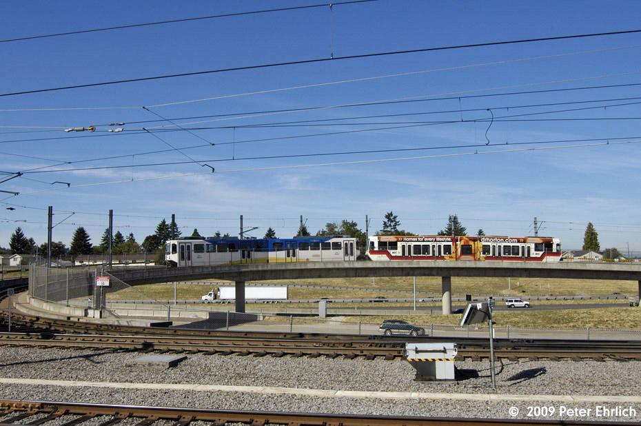 (210k, 930x618)<br><b>Country:</b> United States<br><b>City:</b> Portland, OR<br><b>System:</b> Portland MAX<br><b>Line:</b> MAX Blue (East-West) Line<br><b>Location:</b> NE 99th/Gateway Transit Center<br><b>Car:</b> MAX Type 1 (Bombardier) 120 <br><b>Photo by:</b> Peter Ehrlich<br><b>Date:</b> 9/15/2009<br><b>Notes:</b> Inbound from Airport.<br><b>Viewed (this week/total):</b> 0 / 550