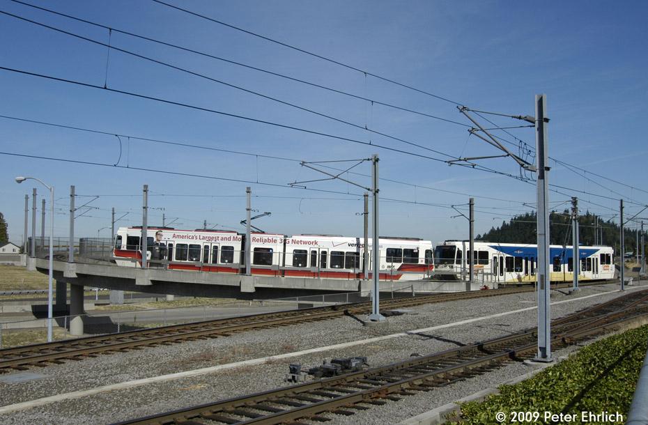 (206k, 930x610)<br><b>Country:</b> United States<br><b>City:</b> Portland, OR<br><b>System:</b> Portland MAX<br><b>Line:</b> MAX Blue (East-West) Line<br><b>Location:</b> NE 99th/Gateway Transit Center<br><b>Car:</b> MAX Type 2 (Siemens SD600A) 216 <br><b>Photo by:</b> Peter Ehrlich<br><b>Date:</b> 9/15/2009<br><b>Notes:</b> Outbound.<br><b>Viewed (this week/total):</b> 0 / 479