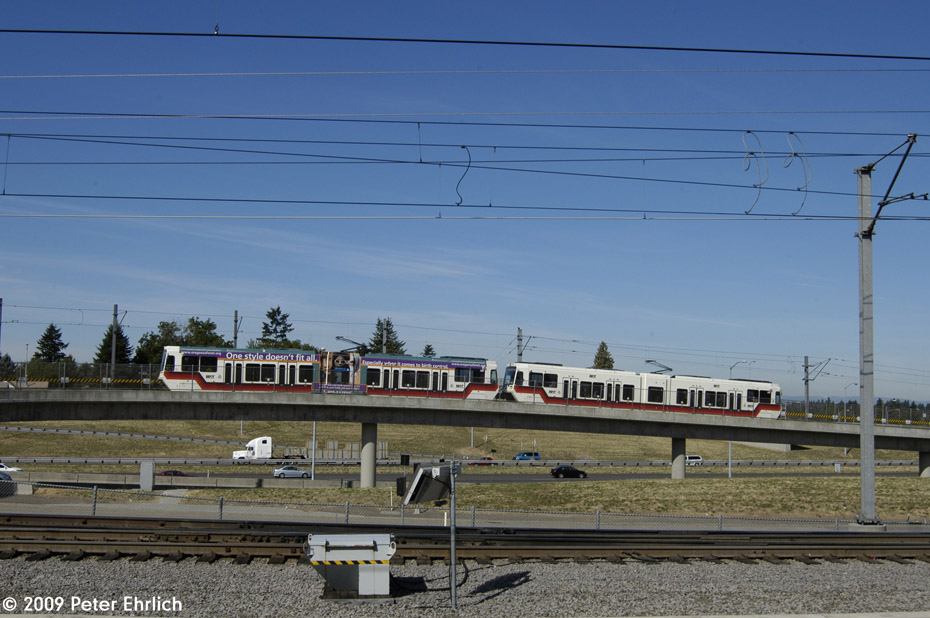 (185k, 930x618)<br><b>Country:</b> United States<br><b>City:</b> Portland, OR<br><b>System:</b> Portland MAX<br><b>Line:</b> MAX Blue (East-West) Line<br><b>Location:</b> NE 99th/Gateway Transit Center<br><b>Car:</b> MAX Type 2 (Siemens SD600A) 218 <br><b>Photo by:</b> Peter Ehrlich<br><b>Date:</b> 9/15/2009<br><b>Notes:</b> Inbound from Airport.<br><b>Viewed (this week/total):</b> 1 / 512