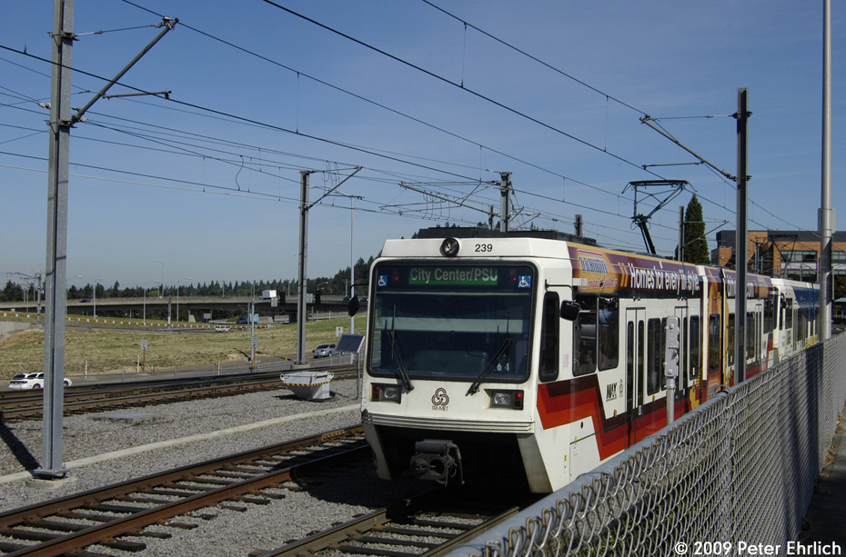 (218k, 930x613)<br><b>Country:</b> United States<br><b>City:</b> Portland, OR<br><b>System:</b> Portland MAX<br><b>Line:</b> MAX Blue (East-West) Line<br><b>Location:</b> NE 99th/Gateway Transit Center<br><b>Car:</b> MAX Type 2 (Siemens SD600A) 239 <br><b>Photo by:</b> Peter Ehrlich<br><b>Date:</b> 9/15/2009<br><b>Notes:</b> Inbound.<br><b>Viewed (this week/total):</b> 0 / 507