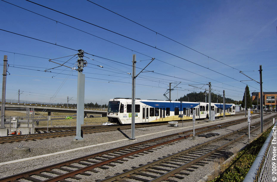 (213k, 930x612)<br><b>Country:</b> United States<br><b>City:</b> Portland, OR<br><b>System:</b> Portland MAX<br><b>Line:</b> MAX Blue (East-West) Line<br><b>Location:</b> NE 99th/Gateway Transit Center<br><b>Car:</b> MAX Type 3 (Siemens SD600A) 304 <br><b>Photo by:</b> Peter Ehrlich<br><b>Date:</b> 9/15/2009<br><b>Notes:</b> Outbound.<br><b>Viewed (this week/total):</b> 0 / 569