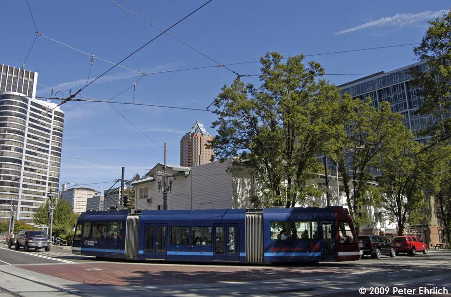 (250k, 930x613)<br><b>Country:</b> United States<br><b>City:</b> Portland, OR<br><b>System:</b> Portland Streetcar<br><b>Location:</b> SW 5th/Montgomery<br><b>Car:</b> Škoda/Inekon Astra 10T 007 <br><b>Photo by:</b> Peter Ehrlich<br><b>Date:</b> 9/15/2009<br><b>Notes:</b> Inbound<br><b>Viewed (this week/total):</b> 0 / 743