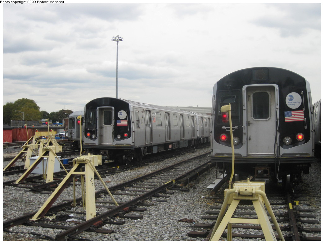 (205k, 1044x788)<br><b>Country:</b> United States<br><b>City:</b> New York<br><b>System:</b> New York City Transit<br><b>Location:</b> East New York Yard/Shops<br><b>Car:</b> R-143 (Kawasaki, 2001-2002) 8237 <br><b>Photo by:</b> Robert Mencher<br><b>Date:</b> 10/14/2009<br><b>Viewed (this week/total):</b> 5 / 1057