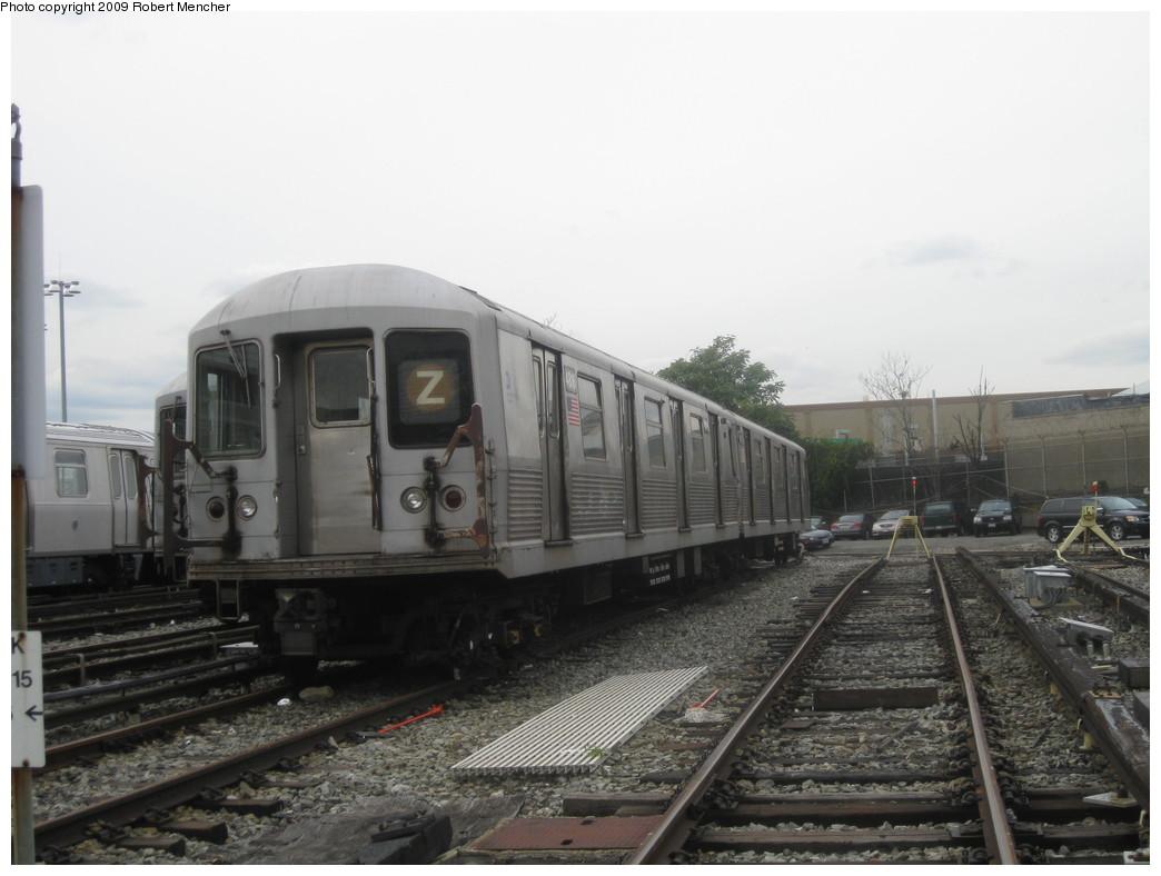 (171k, 1044x788)<br><b>Country:</b> United States<br><b>City:</b> New York<br><b>System:</b> New York City Transit<br><b>Location:</b> East New York Yard/Shops<br><b>Car:</b> R-42 (St. Louis, 1969-1970) 4816 <br><b>Photo by:</b> Robert Mencher<br><b>Date:</b> 10/14/2009<br><b>Viewed (this week/total):</b> 11 / 984