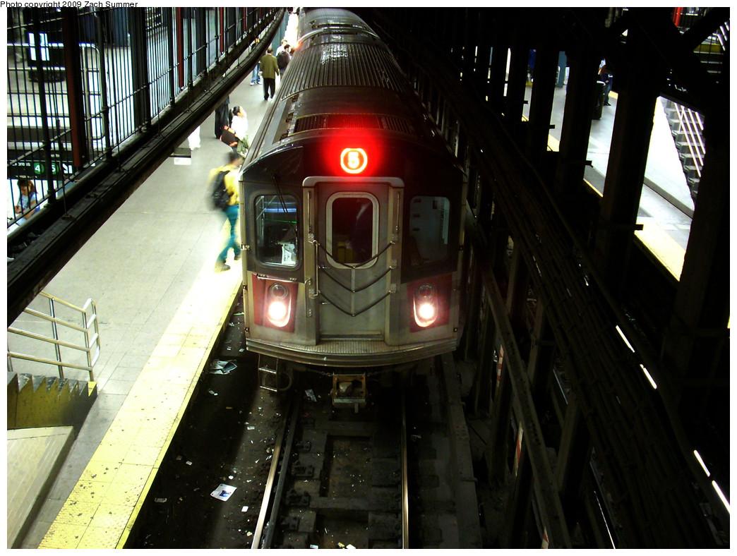 (279k, 1044x788)<br><b>Country:</b> United States<br><b>City:</b> New York<br><b>System:</b> New York City Transit<br><b>Line:</b> IRT East Side Line<br><b>Location:</b> 14th Street/Union Square<br><b>Route:</b> 5<br><b>Car:</b> R-142 or R-142A (Number Unknown)  <br><b>Photo by:</b> Zach Summer<br><b>Date:</b> 10/22/2009<br><b>Viewed (this week/total):</b> 2 / 2381