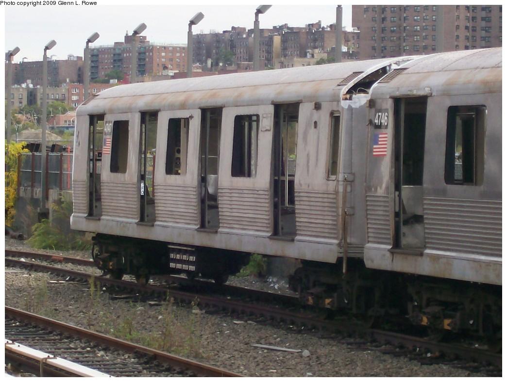 (198k, 1044x788)<br><b>Country:</b> United States<br><b>City:</b> New York<br><b>System:</b> New York City Transit<br><b>Location:</b> 207th Street Yard<br><b>Car:</b> R-42 (St. Louis, 1969-1970) 4747 <br><b>Photo by:</b> Glenn L. Rowe<br><b>Date:</b> 10/12/2009<br><b>Notes:</b> Scrap<br><b>Viewed (this week/total):</b> 4 / 1090