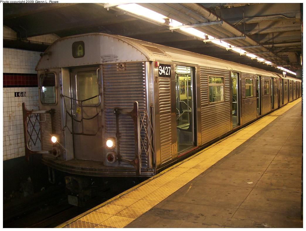 (233k, 1044x788)<br><b>Country:</b> United States<br><b>City:</b> New York<br><b>System:</b> New York City Transit<br><b>Line:</b> IND 8th Avenue Line<br><b>Location:</b> 168th Street<br><b>Route:</b> A<br><b>Car:</b> R-32 (Budd, 1964) 3427 <br><b>Photo by:</b> Glenn L. Rowe<br><b>Date:</b> 10/14/2009<br><b>Viewed (this week/total):</b> 8 / 1808
