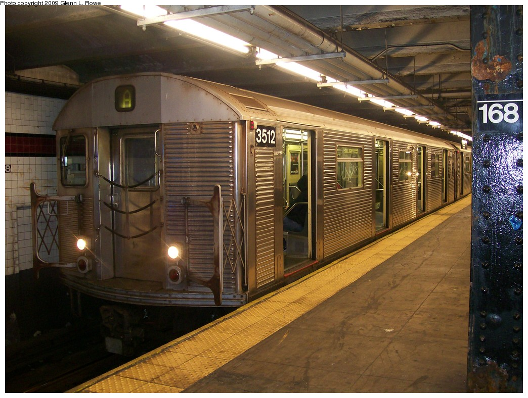 (240k, 1044x788)<br><b>Country:</b> United States<br><b>City:</b> New York<br><b>System:</b> New York City Transit<br><b>Line:</b> IND 8th Avenue Line<br><b>Location:</b> 168th Street<br><b>Route:</b> A<br><b>Car:</b> R-32 (Budd, 1964) 3512 <br><b>Photo by:</b> Glenn L. Rowe<br><b>Date:</b> 10/27/2009<br><b>Viewed (this week/total):</b> 2 / 1400