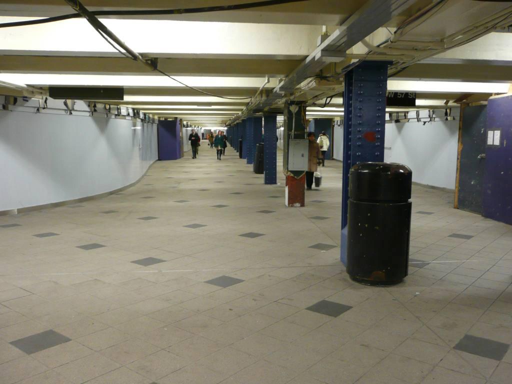 (76k, 1024x768)<br><b>Country:</b> United States<br><b>City:</b> New York<br><b>System:</b> New York City Transit<br><b>Line:</b> IND 8th Avenue Line<br><b>Location:</b> 59th Street/Columbus Circle<br><b>Photo by:</b> Robbie Rosenfeld<br><b>Date:</b> 1/12/2010<br><b>Notes:</b> Passage to IRT.<br><b>Viewed (this week/total):</b> 0 / 1510