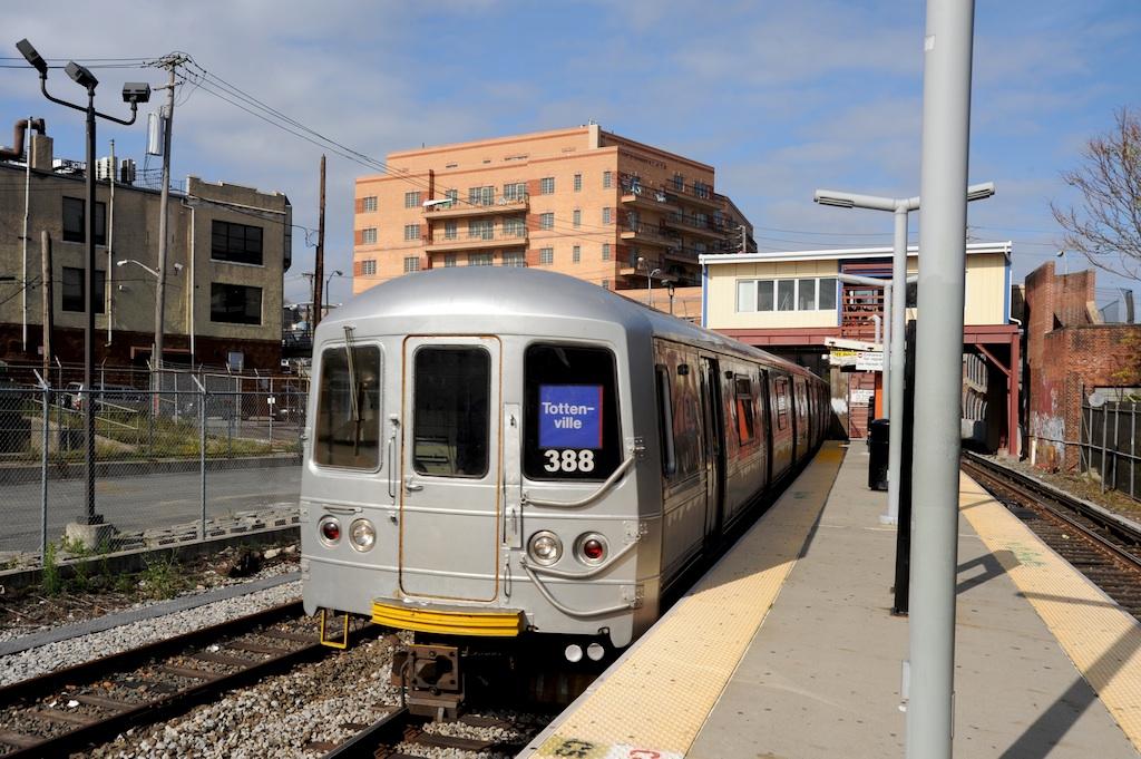 (281k, 1024x681)<br><b>Country:</b> United States<br><b>City:</b> New York<br><b>System:</b> New York City Transit<br><b>Line:</b> SIRT<br><b>Location:</b> Tompkinsville<br><b>Car:</b> R-44 SIRT (St. Louis, 1971-1973) 388 <br><b>Photo by:</b> Richard Panse<br><b>Date:</b> 10/30/2009<br><b>Viewed (this week/total):</b> 2 / 2458