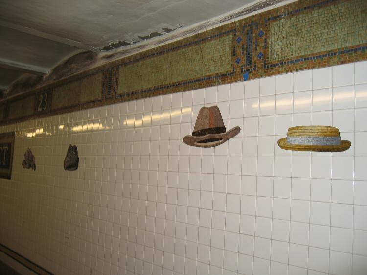 (45k, 750x562)<br><b>Country:</b> United States<br><b>City:</b> New York<br><b>System:</b> New York City Transit<br><b>Line:</b> BMT Broadway Line<br><b>Location:</b> 23rd Street<br><b>Photo by:</b> Robbie Rosenfeld<br><b>Date:</b> 2/10/2005<br><b>Artwork:</b> <i>Memories of Twenty-Third Street</i>, Keith Godard, 2002<br><b>Viewed (this week/total):</b> 0 / 4126