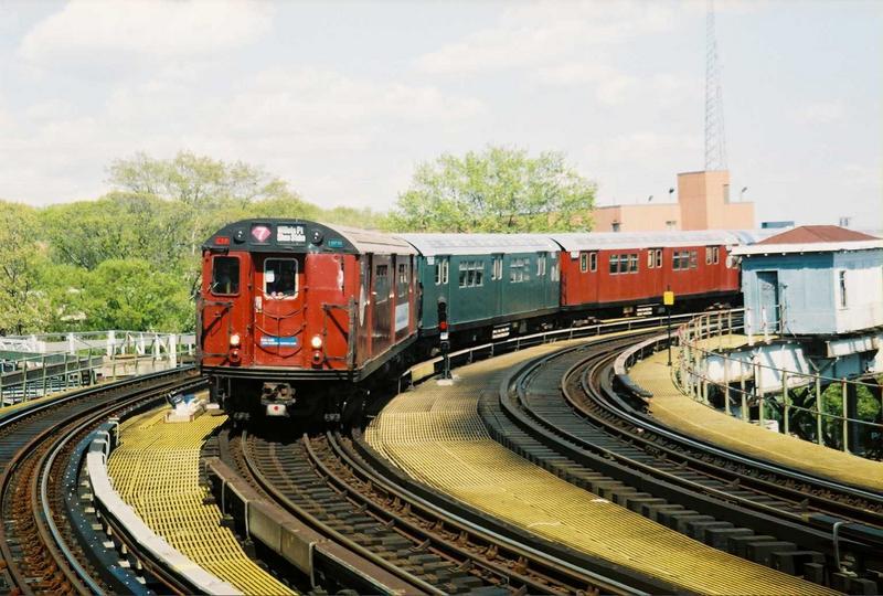 (85k, 800x540)<br><b>Country:</b> United States<br><b>City:</b> New York<br><b>System:</b> New York City Transit<br><b>Line:</b> IRT White Plains Road Line<br><b>Location:</b> West Farms Sq./East Tremont Ave./177th St.<br><b>Route:</b> Fan Trip<br><b>Car:</b> R-33 World's Fair (St. Louis, 1963-64) 9327 <br><b>Photo by:</b> Gary Chatterton<br><b>Date:</b> 5/1/2005<br><b>Viewed (this week/total):</b> 1 / 3319